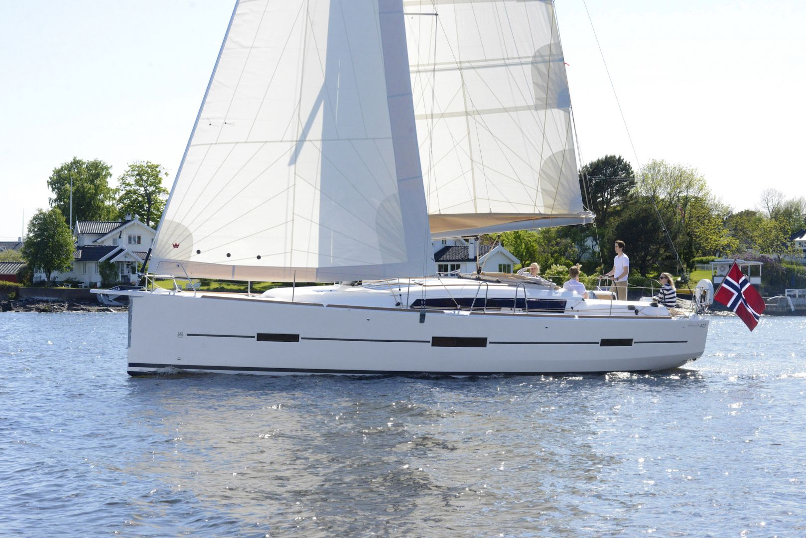 Dufour Yachts 412 picture